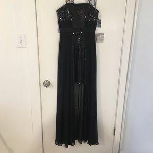 Black Strapless Sparkly Gown!